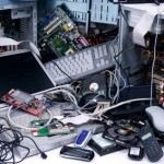 Rohstoff Elektroschrott: Alte Computer und Handys